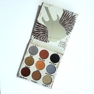 Crown Glam Metal Eyeshadow Palette